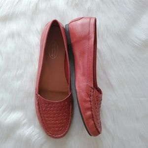 TALBOTS CORAL LEATHER BASKET WEAVE LOAFERS 9.5